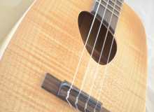 <strong>Uke U</strong> – Acoustic/Electric tenor ukulele in crazy curly Maple