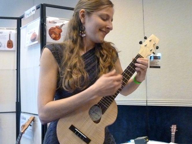 Sarah Maisel - Jazz ukulele and vocals