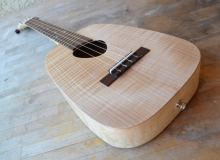 <strong>Roni</strong> – Keystone Tenor Ukulele in Curly & Birdseye Maple